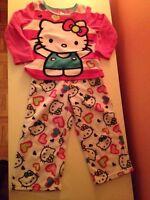 Pyjama chaud - Hello Kitty impeccable 4 ans
