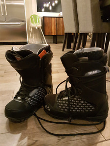 Thirtytwo men's size 10 snowboard boots