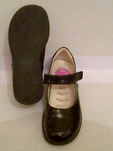 Primigi Classic Black Patent Leather Mary Janes Girls Size 12