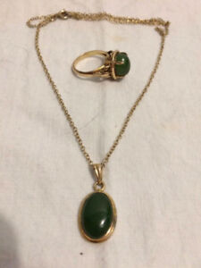 JADE PENDANT AND RING SET IN 10K GOLD