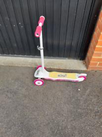 Girls light burst scooter