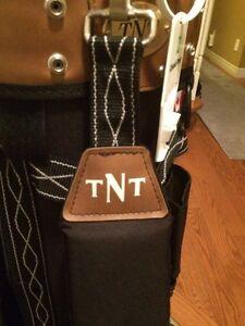 TNT Adult Golf Bag Smoke free home  Kitchener / Waterloo Kitchener Area image 3