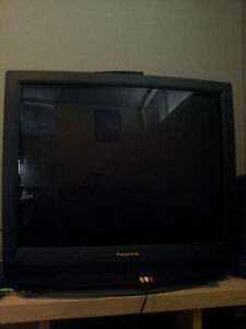 """Free 32"""" TV for pick-up close to UofA"""