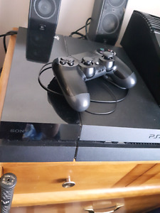 Ps4 two controllers and games