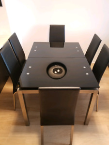 Designer extendible Glass Dining Table with 6 chairs
