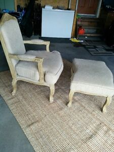 ACCENT CHAIR AND FOOT STOOL