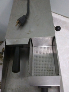REDUCED TO SELL..........Commercial  Vegetable/Pasta Steamer