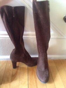 Ladies fashion boots size 9
