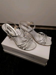 Silver sandals, size 7.5