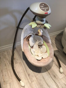 Fisher-Price Snugabunny Cradle n Swing w Smart Swing technology