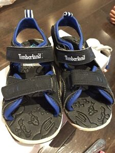 Sandales pour garcons taille 10 Timberland sandals for boy