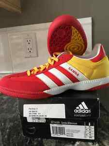 Adidas indoor soccer shoes Size 10 mens
