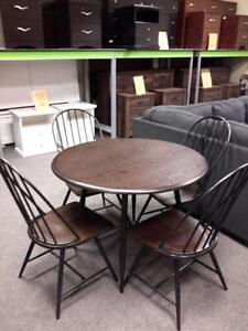 *** USED *** MAZIN FURNITURE 5118 5PC DINETTE   S/N:51241399   #STORE945
