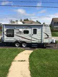 Jay Flight Swift model198RD travel trailer