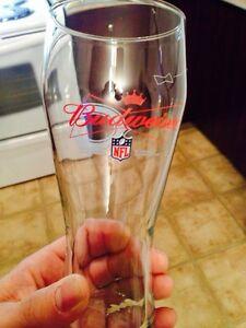 NFL  Chicago Bears Budweiser Glass Gatineau Ottawa / Gatineau Area image 2