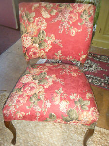 RED FLORAL CHAIR Kawartha Lakes Peterborough Area image 2