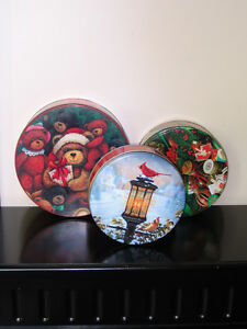 Lot of 3 Christmas Round Metal Cookie Candy Box Peterborough Peterborough Area image 2
