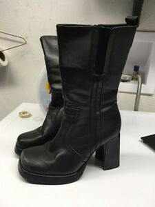 Boots leather ladies size 7