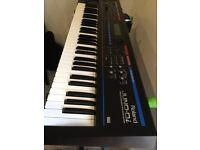 Roland Juno Di keyboard/synthesizer