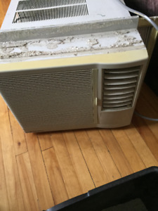 Simplicity 7300 BTU Window Air Conditioner Must Go ASAP