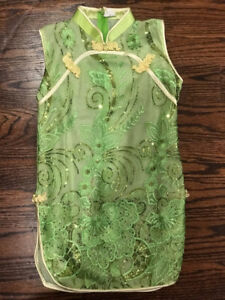 Vietnamese Traditional Dress - Size 3T (Worn Once)