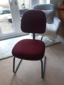 Office/desk/computer chair