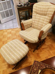 Chaise berceuse et pouf- rocking chair and foot rest