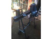 Wood lathe and turning tools