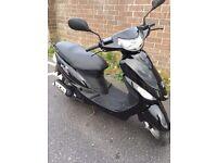 Peugeot v-clic 2010 50cc scooter