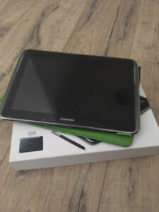 Galaxy Note 10.1 Tablet (32 GB) + Almost new