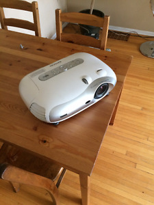 Epson TW 200H Projector