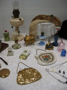 Antique & Vintage -- FROM PAST TIMES Antiques  - 1178 Albert St