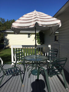 Patio furniture 1 table,1umbrella and 4chairs