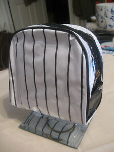 COLOURFUL SHINY  NEW LANCOME ZIP-UP STRIPED COSMETIC BAG