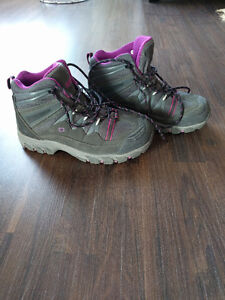Dakota steel-toed women's shoes