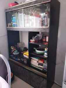 Entertainment unit with bar