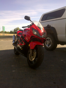 2001 cbr F4i 600 Loud! Fast! Reliable!