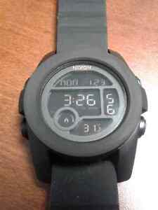 Like new unisex Nixon 'The Unit 40' All Black Edition