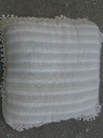 IVORY PILLOW/COUSSIN IVOIRE