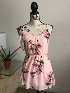 Women's size small floral dress, dynamite, new without tags