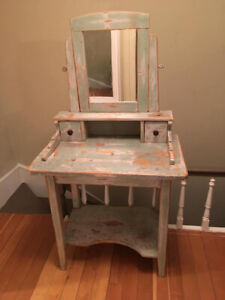 Antique Ladies Dressing Table with Mirror