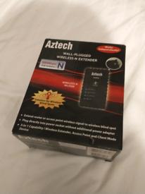 Aztech - Wall plugged wireless extender
