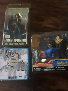 John Lennon and the Beatles figurines + puzzle