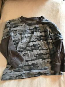 4 Long sleeved shirts