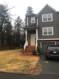Completely Renovated Townhouse *Clayton Park* MAY 1st