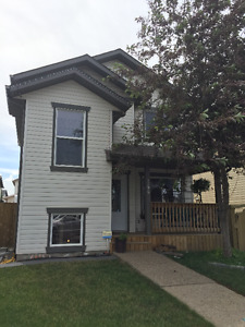 Beautiful 3 plus 1 bed, whole house, small pet friendly.