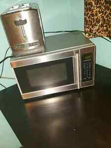 Microwave and Toaster for 50$ OBO Edmonton Edmonton Area image 1