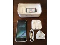 iPhone 5c 16gb Unlocked With Box / New Headphones & Charger