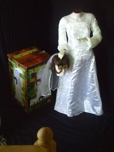 Halloween Animated Headless Bride Kawartha Lakes Peterborough Area image 5