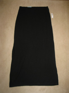 Old Navy Woman's Black Maxi Skirt (Brand New With Tag)